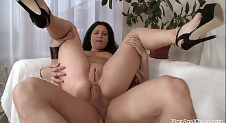FIRSTANALQUEST.COM - ANAL Lovemaking LEAVES AN INEXPERIENCED GIRL'S ASS GAPING OPEN