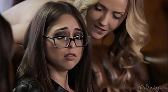 Lesbian Therapist - Allie Haze, Karla Kush, Riley Reid