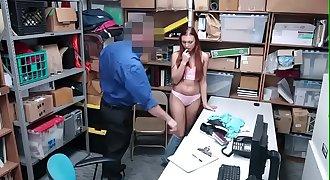 Ladrona Rusa tiene su merecido - Mira todo el Flick -> http://bit.ly/SexViral