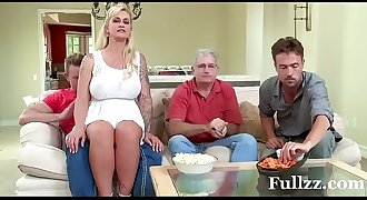 Stepmom takes some young cock - Fullzz.com
