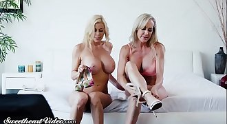 Brandi Love & Alexis Fawx Rim, Kiss and Eat Each Other!